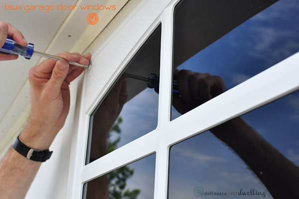 Screw Driver faux window, Delineate Your Dwelling