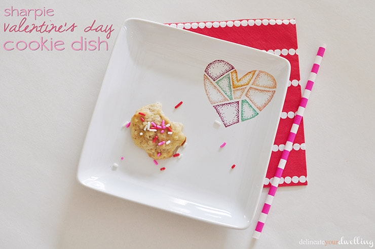Sharpie Valentine's Day Cookie Dish, Delineateyourdwelling.com