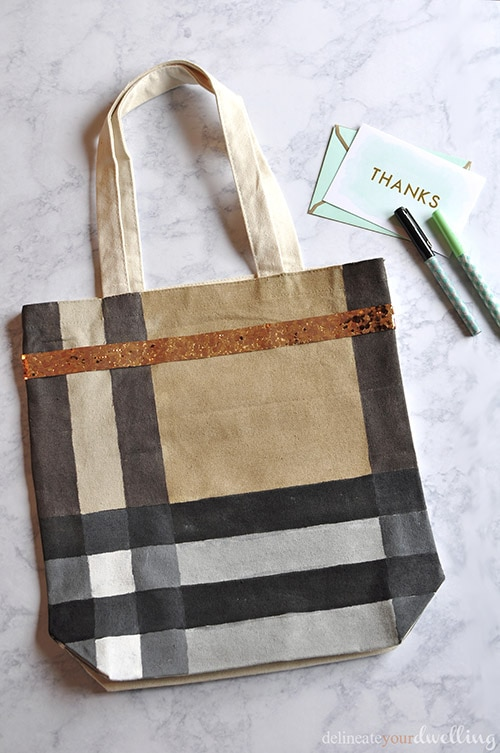 Burberry Inspired Canvas Tote Bag, Delineate Your Dwelling #giftidea #DIY