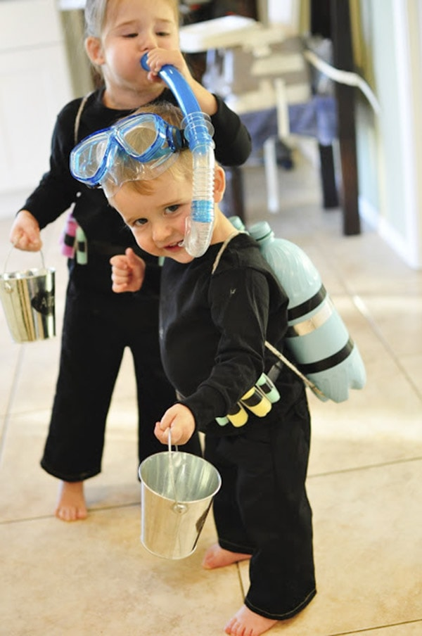 diy-scuba-diver-Halloween costume, Delineate Your Dwelling