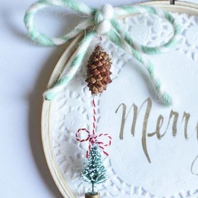 Embroidery Hoop Christmas Wall Decor, Delineateyourdwelling.com