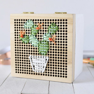 Simple Cacti Embroidery Box