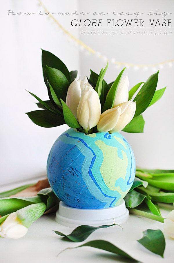 So easy to create this unique DIY Globe Flower Vase | @Delineateyourdwelling