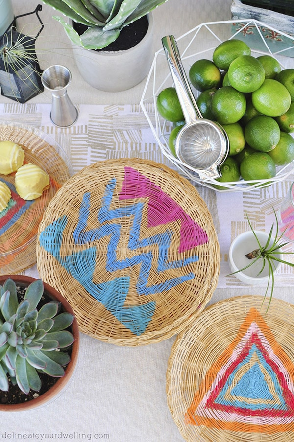 Easy to paint, Bohemian DIY Charger Plates - Perfect for summer entertaining, too! Delineate Your Dwelling