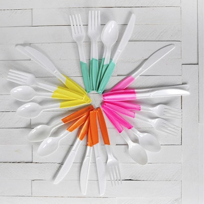 1 Painted Plastic Flatware