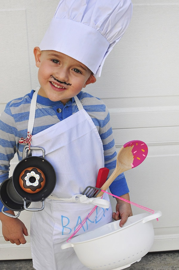 Baker-Cupcake Halloween Costume chef