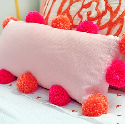 DIY Pom Pom Pillow bed