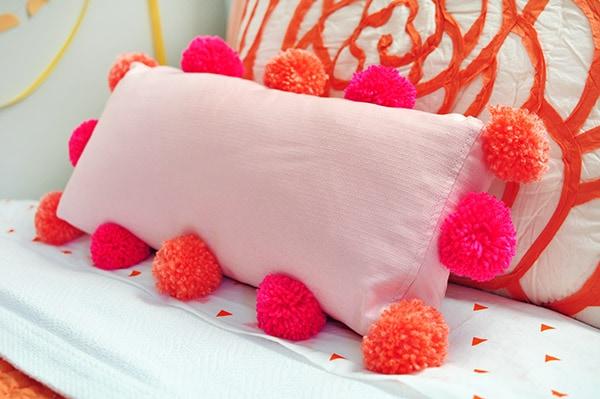 DIY Pom Pom Pillow bed