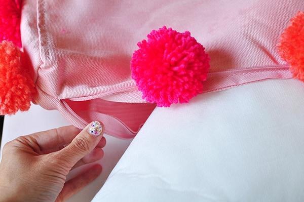 DIY Pom Pom Pillow stuff