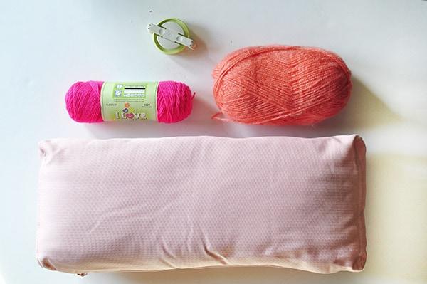 DIY Pom Pom Pillow supplies