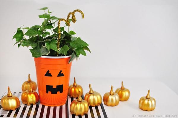Plastic Cup Pumpkin Planter horiz