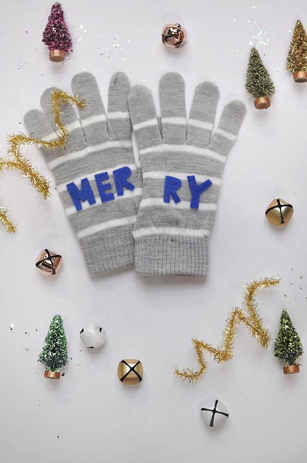 Merry Felt Mittens, Delineateyourdwelling.com