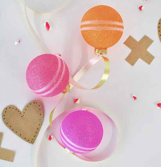 1 Colorful Glitter Valentine's Ornaments