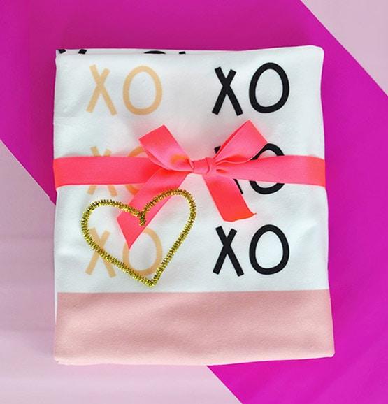 1 Custom Valentine's XO Blanket