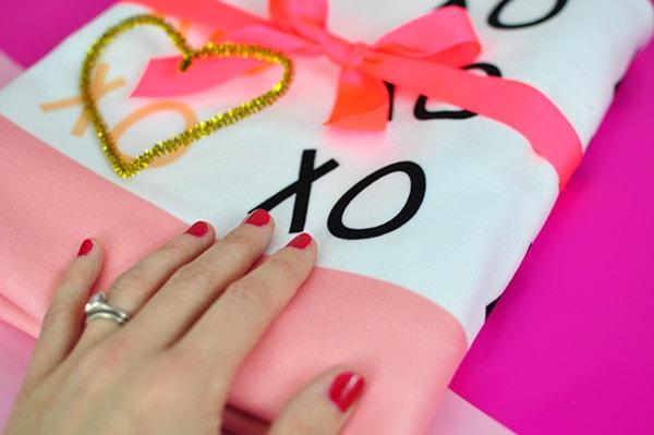 Custom Valentine's XO Blanket, Delineateyourdwelling.com