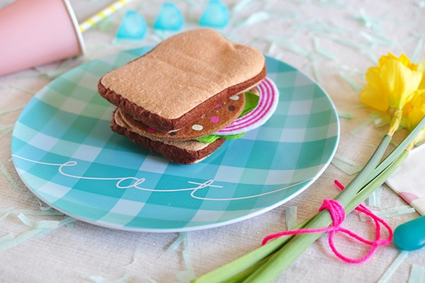 Cheerful Plaid Spring Picnic Plate, Delineate Your Dwelling