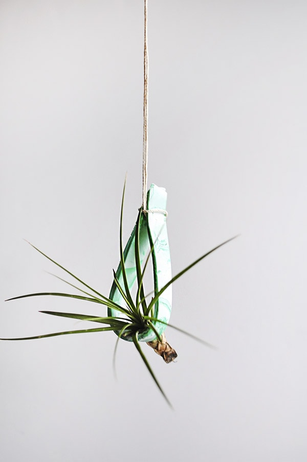 Simple and Modern DIY - Hanging Clay Plant Holder, Delineate Your Dwelling