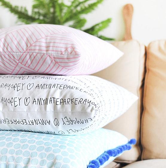 1 DIY Custom Fabric Pillows