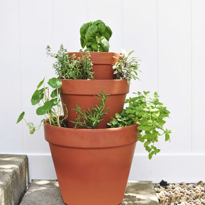 1 DIY Stacked Herb Garden