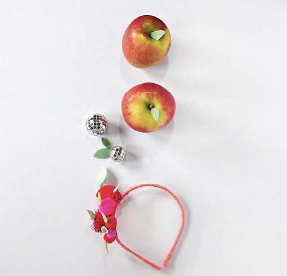1 DIY Apple Pom Pom Headband