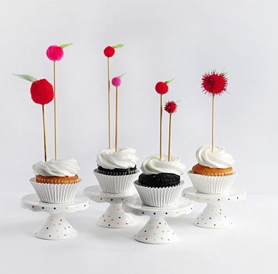 1 DIY Apple Topper Cupcake