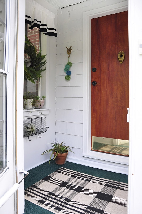 Rental House Front Stoop Update, Delineate Your Dwelling