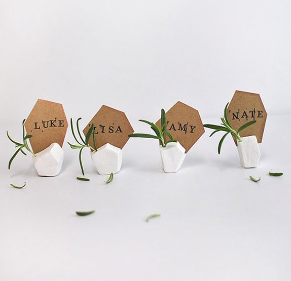 1-geometric-clay-placecard-holder-vert