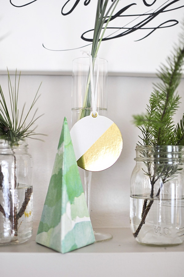 Thoughtful Christmas Mantle Decorations, Delineate Your Dwelling
