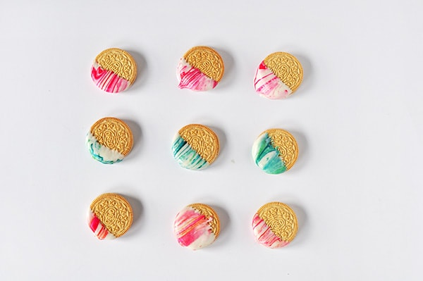 Delicious Marble Dipped OREO cookies, Delineate Your Dwelling
