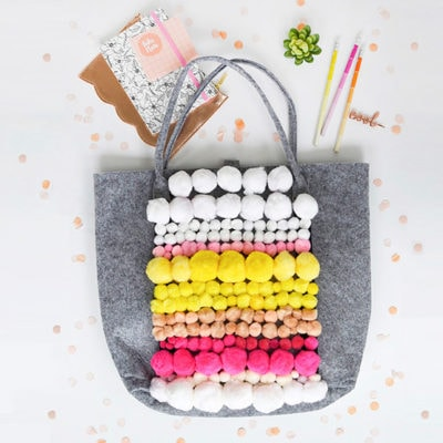 1-DIY-Pom-Pom-Patterned-Tote-bag
