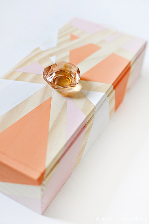 Geometric-Thread-Box coral, peach and orange