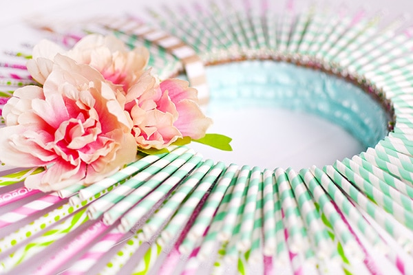 Simple and Colorful Spring Wreath, Delineate Your Dwelling