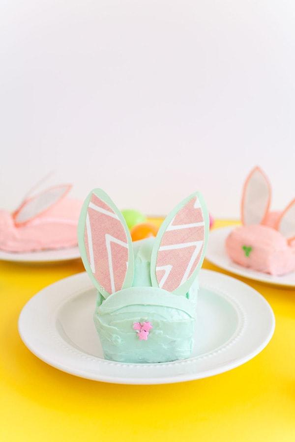 diy-easter-bunny-cake