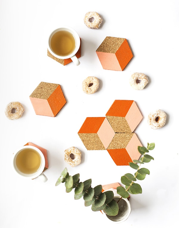 DIY-geometric-coaster-CORK