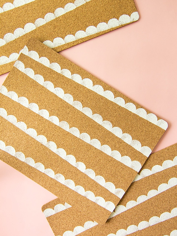 scallop-cork placemats-4