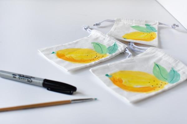 Lemon Painted Bags steps 2