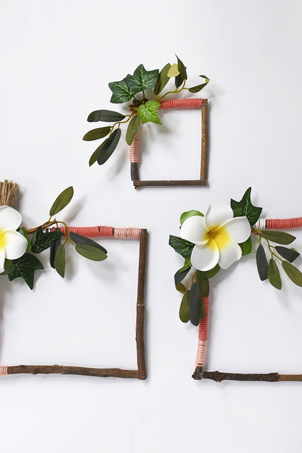 Simple to make and so colorful Yarn Wrapped Twig Wreaths! Delineate Your Dwelling