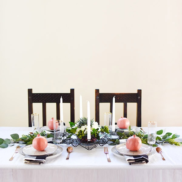 1 Minimal Thanksgiving Table