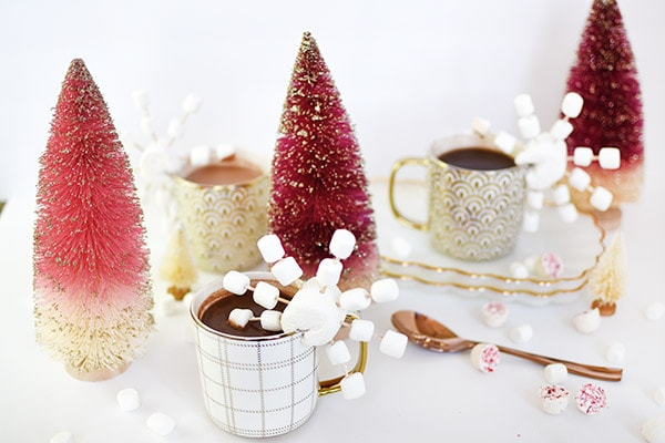 Perfect for the cool winter nights! Make festive Snowflake Hot Cocoa drinks for everyone! Delineate Your Dwelling
