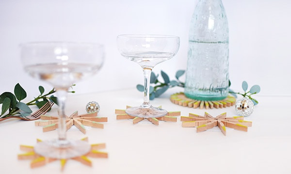 Easy to make DIY Clothespin Drink Coasters, Delineate Your Dwelling