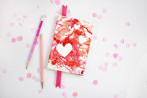 Easy and fun to craft DIY Marbled Heart Notebook! Delineate Your Dwelling