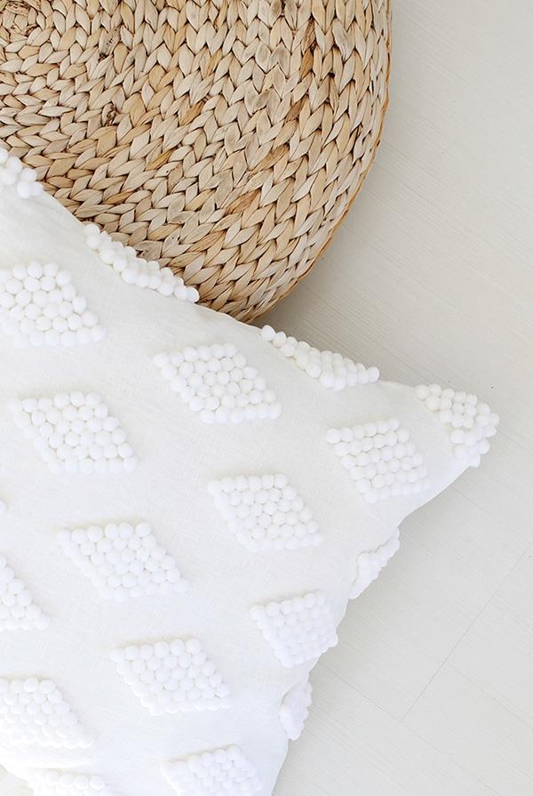 DIY-modern-pom-pillow-@mollymadfis-white